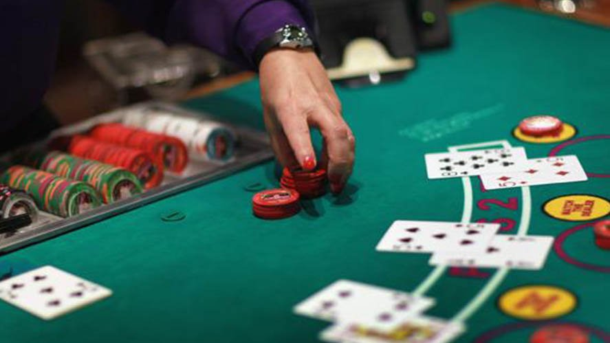 Blackjack Strategy when Playing Head to Head with Dealer - Tunica
